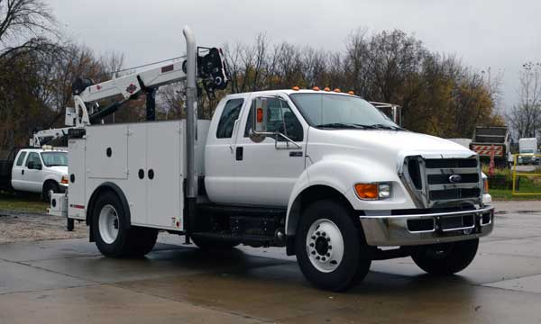 service truck 2015 Ford F-750 Extended Cab