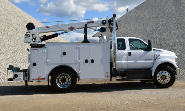 F750 Service Truck with Crane