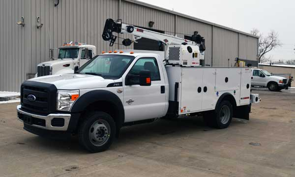 service truck 2015 F550 4x4 Dominator 1 - 6000 Crane