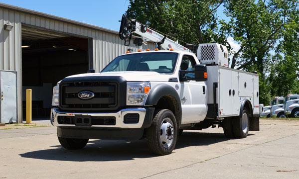service truck 2016 Ford F550 4x2 Dominator I