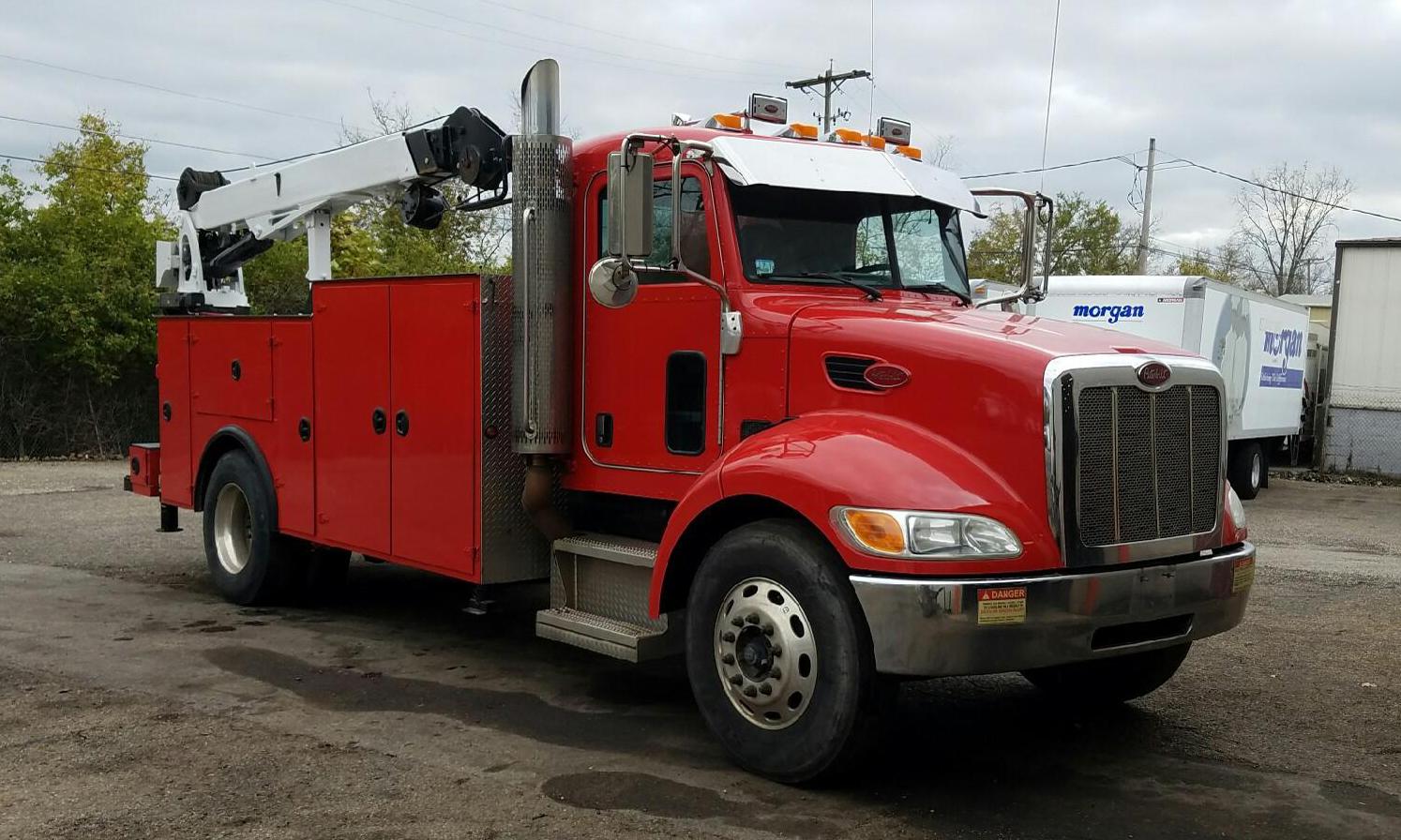 service truck 2008 Peterbilt 335 Service Truck