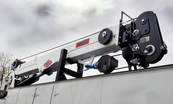 service truck IMT 30' 10000# Telescopic Crane