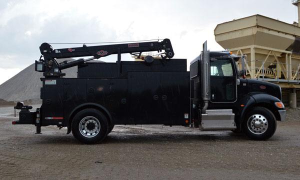service truck Used 2016 Peterbilt 337 Service Truck