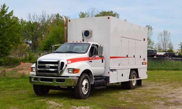 service truck 2011 Ford F-750 IMT Sitestar Lube Truck